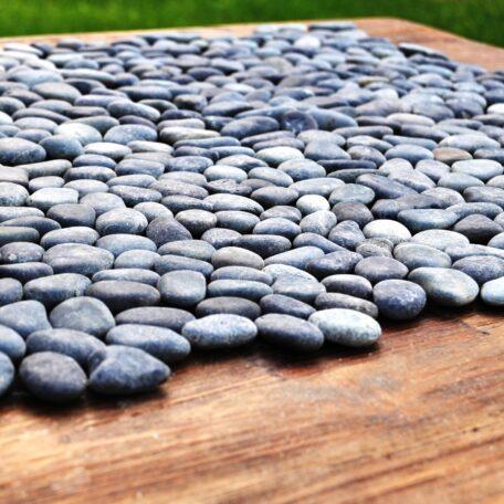 mozaika kamienna industone otoczaki czarne