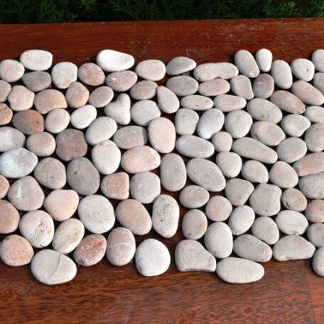 InduStone Mozaika Kamienna na siatce PINK Interlock różowe otoczaki 30×30 (1)