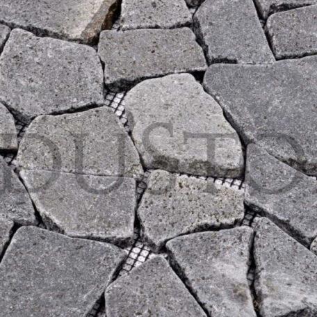andezyt-interlock-czarna-lamana-mozaika-kamienna-na-siatce-industone (5)