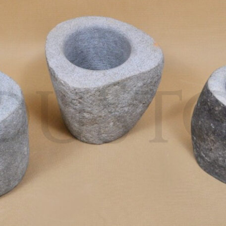 river-stone-kamienny-wazon-z-indonezji-industone